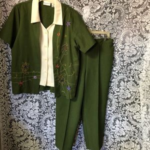 Alfred Dunner 2 Piece Beaded Green Pants Suit !4
